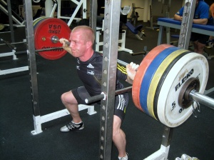 Squatting 175kg